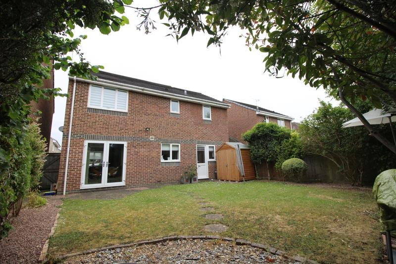 4 Bedrooms Detached House for sale in Bankfoot Close, Shaw, Swindon